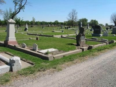 Dr. Robert Semple Burial Plot. image. Click for full size.