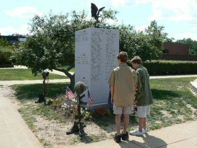 1941-2007 Red Bank Veterans Monument Marker image. Click for full size.