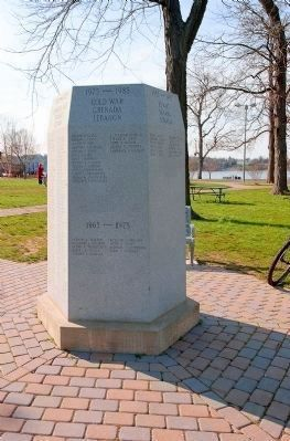 Rumson Veterans Monument (1975-1985 and 1965-1975 face) image. Click for full size.