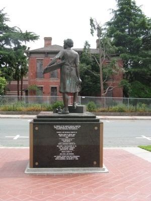 The Cannery Lady Monument (Facing North) image. Click for full size.