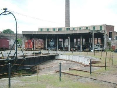 Central of Georgia Engine shop and turntable image. Click for full size.
