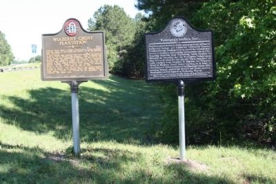 Washington's Southern Tour Marker shares location with Mulberry Plantation Marker image. Click for full size.