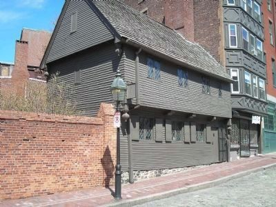 Paul Revere's House in the North End image. Click for full size.
