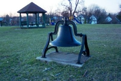 Smith Place School Bell image. Click for full size.