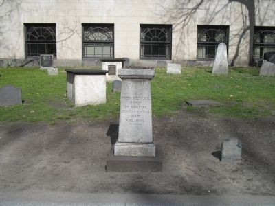 Paul Revere's Grave image. Click for full size.