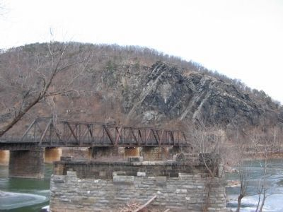 Modern Railroad Bridge image. Click for full size.