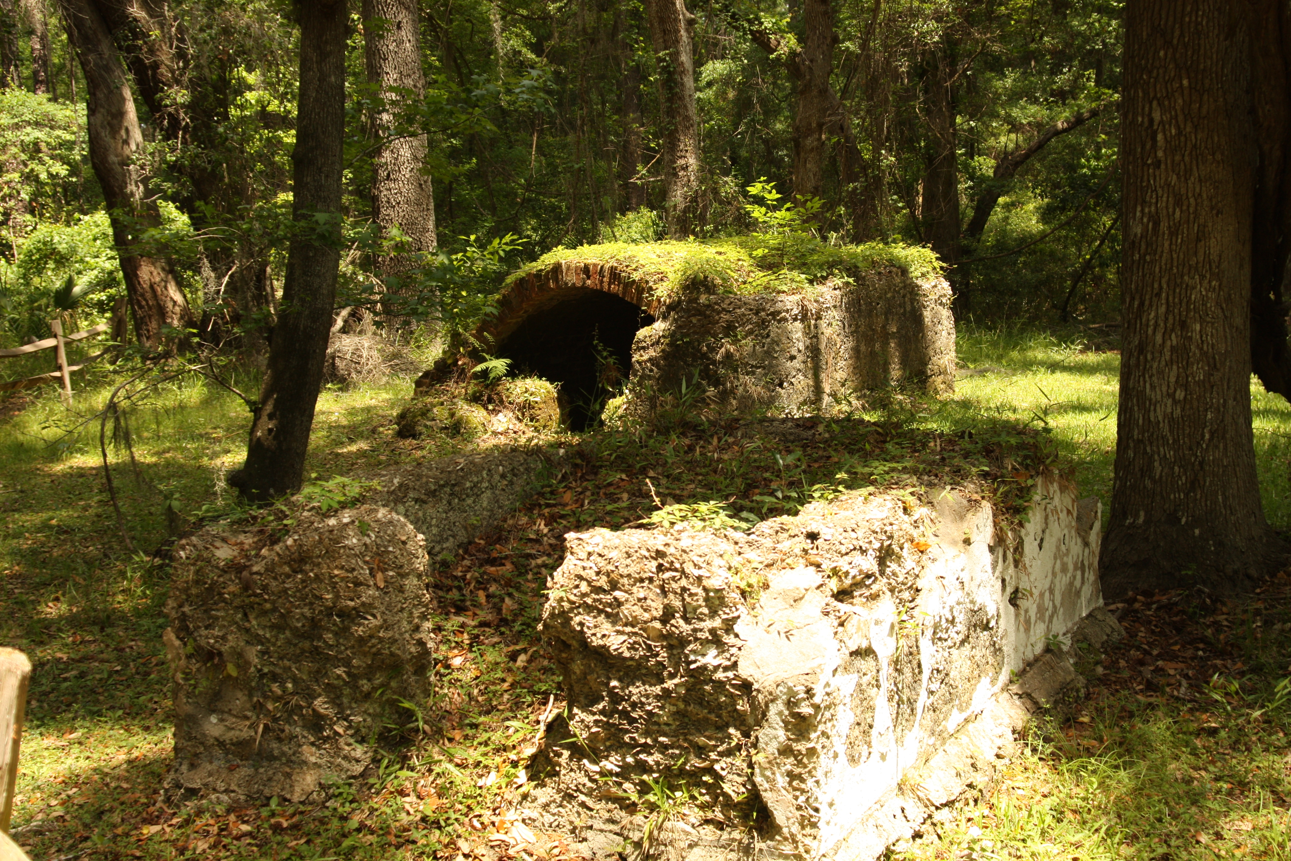Frederica - Old Burial Ground Stone Tombs