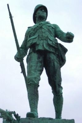 London South African War Memorial Soldier Statue image. Click for full size.