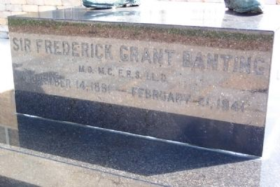 Sir Frederick Grant Banting Statue Base image. Click for full size.