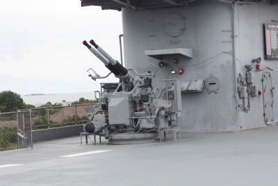 USS Yorktown Anti-aircraft Gun image. Click for full size.