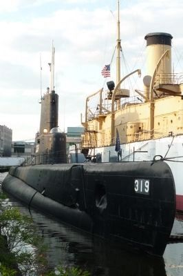 Submarine <i>Becuna</i> (SS-319) image. Click for full size.
