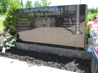 Vietnam War Dogs Memorial image. Click for full size.