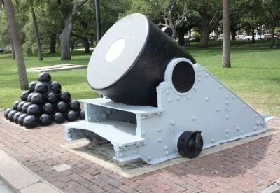 Thirteen - Inch Mortar image. Click for full size.