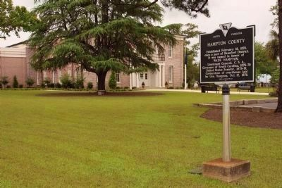Retrofitted Hampton County Marker,with Renovated Courthouse in 2009 image. Click for full size.
