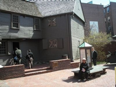 Courtyard near the Revere House image. Click for full size.