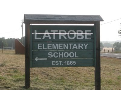 Latrobe Elementary School Directional Sign image. Click for full size.
