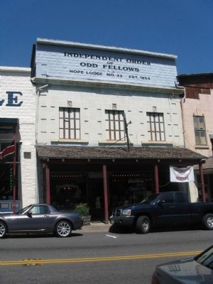 Independent Order of Odd Fellows Building image. Click for full size.