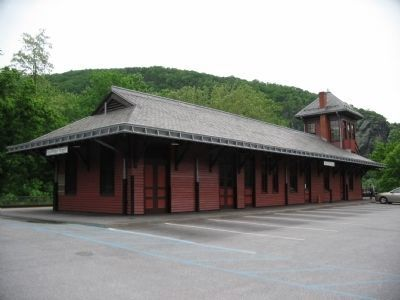 Modern Day Harpers Ferry Train Station image. Click for full size.