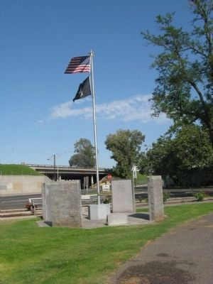 Ceres War Memorial image, Touch for more information