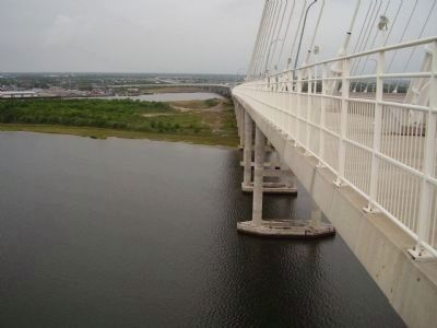 Arthur Ravenel Jr. Bridge image. Click for full size.
