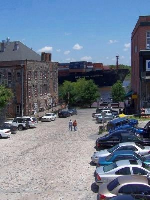 Savannah's Cobblestones, here on Barnard St .Ramp . image. Click for full size.