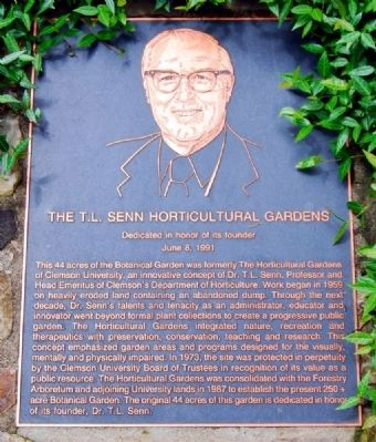 The T.L. Senn Horticultural Gardens Marker image. Click for full size.