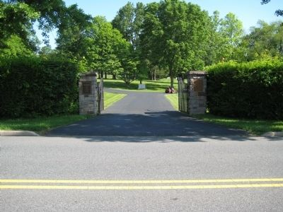 Flemington Jewish Cemetery Gates image. Click for full size.