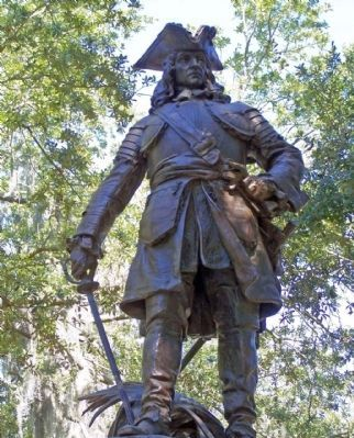 General Oglethorpe, nearby statue image. Click for full size.