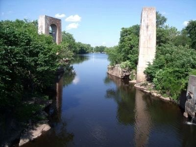 Appomattox River at Campbell's Bridge (downriver). image. Click for full size.