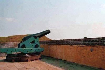 Fort Moultrie Cannon image. Click for full size.
