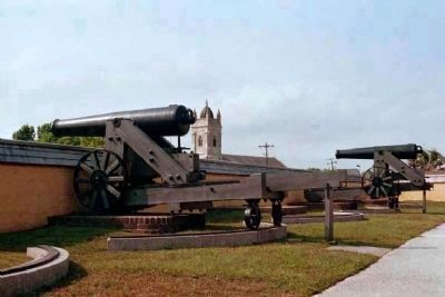 Fort Moultrie cannon, image. Click for full size.