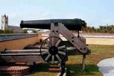 Fort Moultrie Cannon along northwest parapet image. Click for full size.