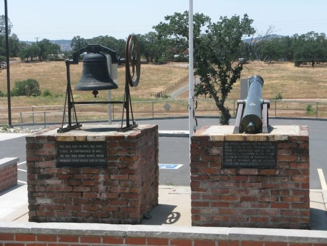 The Copperopolis School Bell, Cannon and Markers image. Click for full size.