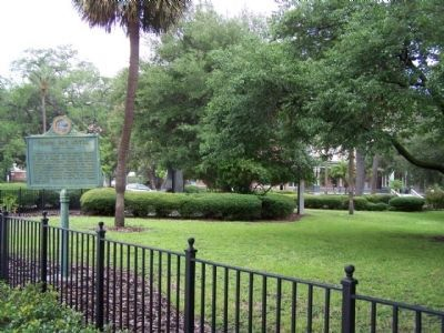Tampa Bay Hotel Marker, as seen from W. Kennedy Blvd. image. Click for full size.