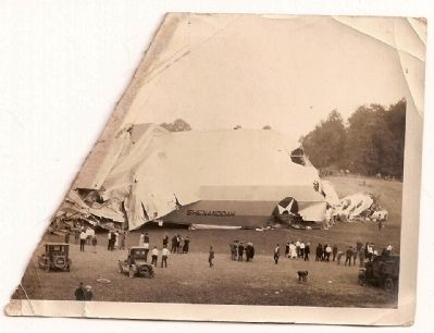 Crash of the <i>USS Shenandoah</i> image. Click for full size.