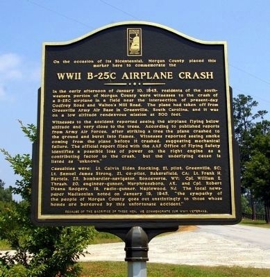 WWII B-25C Airplane Crash Marker image. Click for full size.