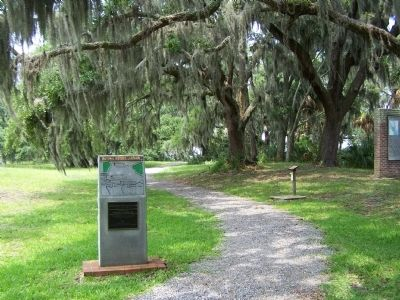 Charlesfort-Santa Elena Site Marker along the north hiking trail image. Click for full size.
