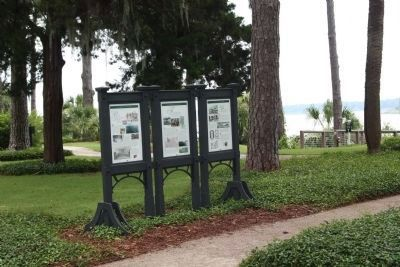 Palmetto Bluff Marker, left image. Click for full size.