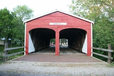 Roberts Covered Bridge image. Click for full size.