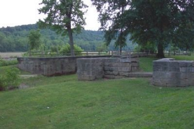Hocking Canal Lock 19 East End image. Click for full size.