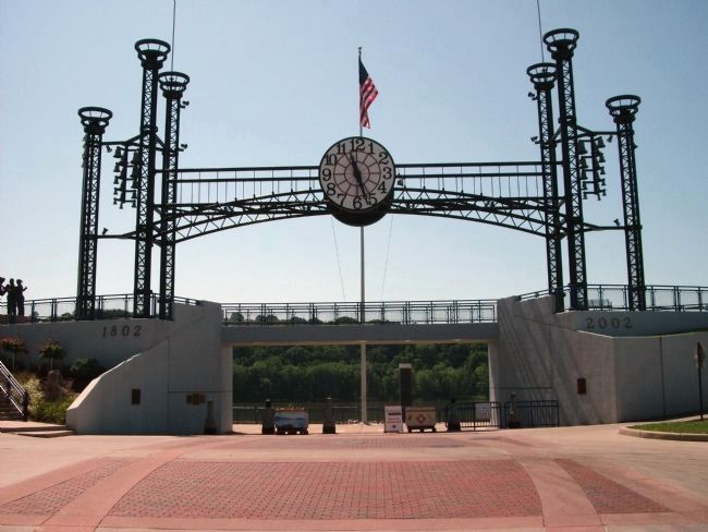 Looking South - - Lawrenceburg Bicentennial Memorial Gate image. Click for full size.