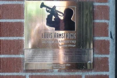 Louis Armstrong House & Archives - Queens College (plaque near entrance) image. Click for full size.