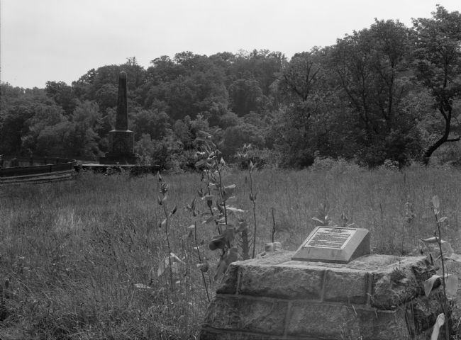 Marker with Thomas Viaduct Obelisk in the Background image. Click for full size.