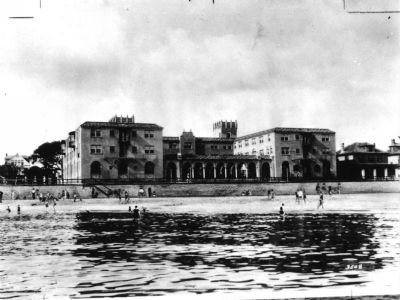 Nansemond Hotel from the water. image. Click for full size.