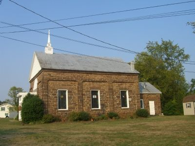 Hatcher's Memorial Baptist Church - South side image. Click for full size.
