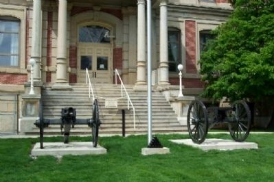 The Civil War Cannons and Marker image. Click for full size.