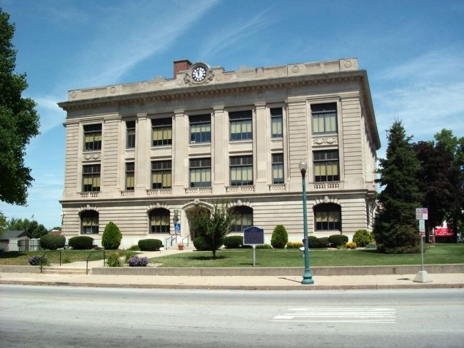 South Side - - Carroll County Courthouse image. Click for full size.