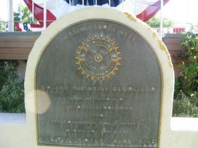 Plaque on Bandstand image. Click for full size.
