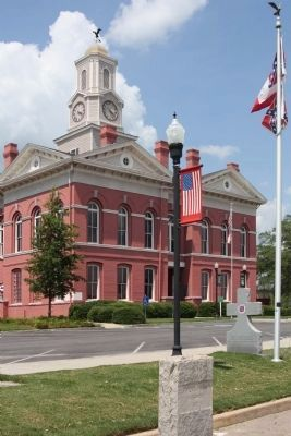 Johnson County Courthouse With Jeff Davis Highway Marker and Confederate Memorial image. Click for full size.