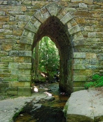Poinsett Bridge Arch image. Click for full size.